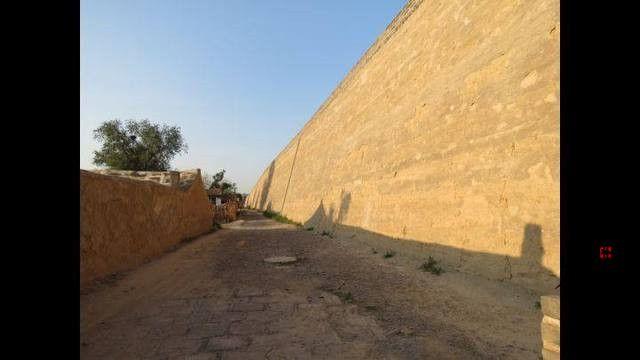 改良夯土墙