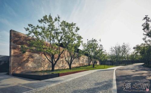 现代夯土景观墙